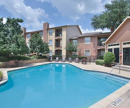 Mira Bella | Apartments on 1960 in Houston TX