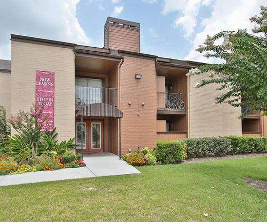 San Martin | Apartments on 1960 in Houston TX